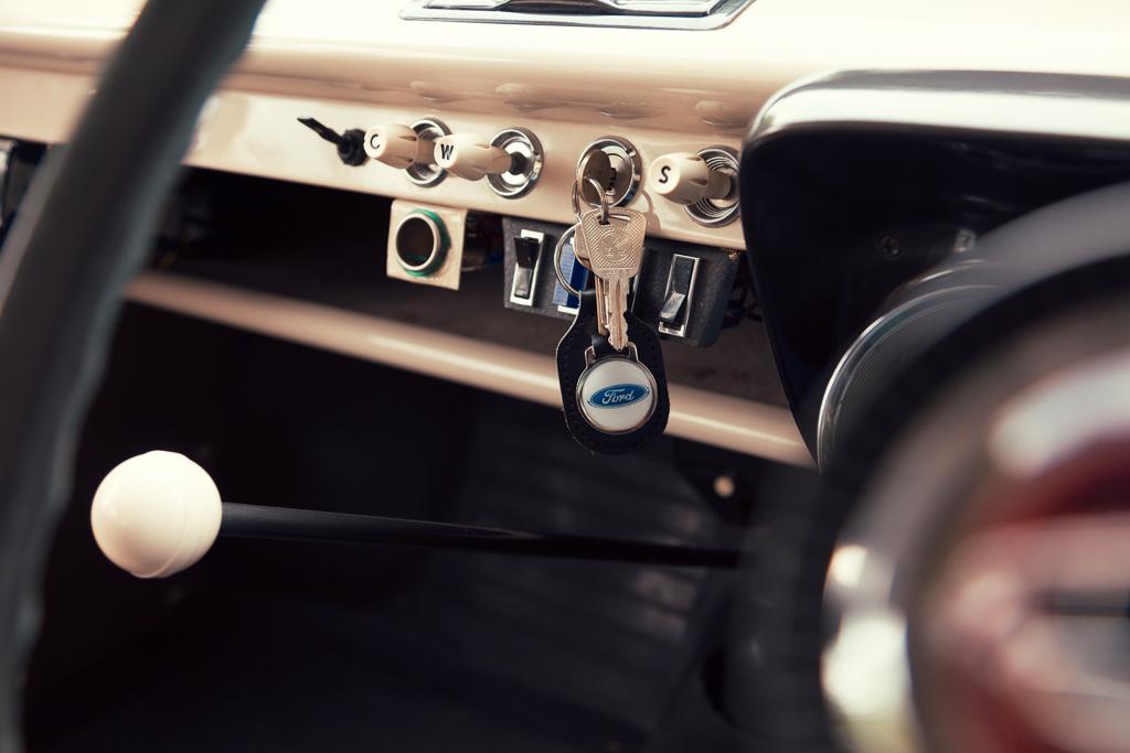 Ford100E-29