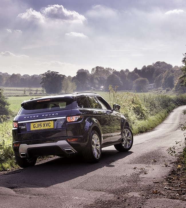 Automotive Photographer Darren Woolway shoots a Range Rover Evoque in the Darenth Valley