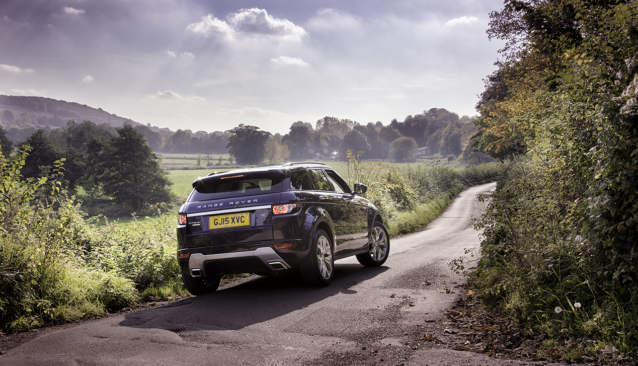 Automotive Photographer Darren Woolway shoots a Range Rover Evoque in the Darenth Valley