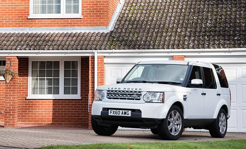 Automotive Photographer photographs Land Rover Discovery