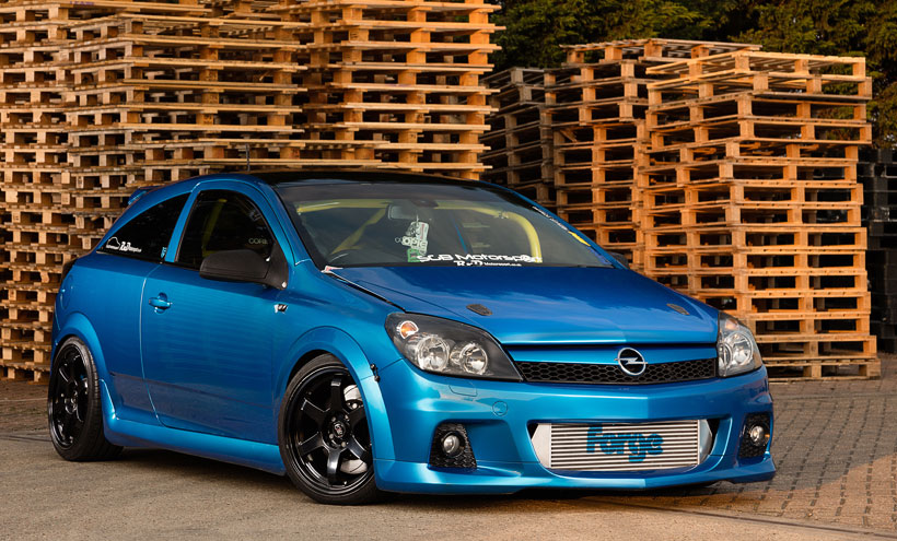 automotive photographer Darren Woolway photographs Vauxhall Astra VXR for Performance Vauxhall Magazine