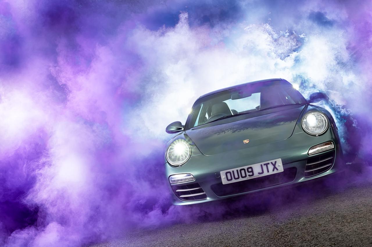 Porsche 997 with Purple Smoke
