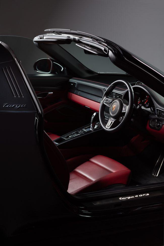 Porsche Targa 4 GTS Interior